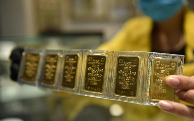 Giá vàng 30/12/2020 Giá vàng trong nước tiếp tục đi lên, tăng mạnh hơn thế giới